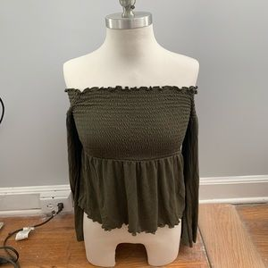 EUC AEO Ruched Off Shoulder Green Top🌟